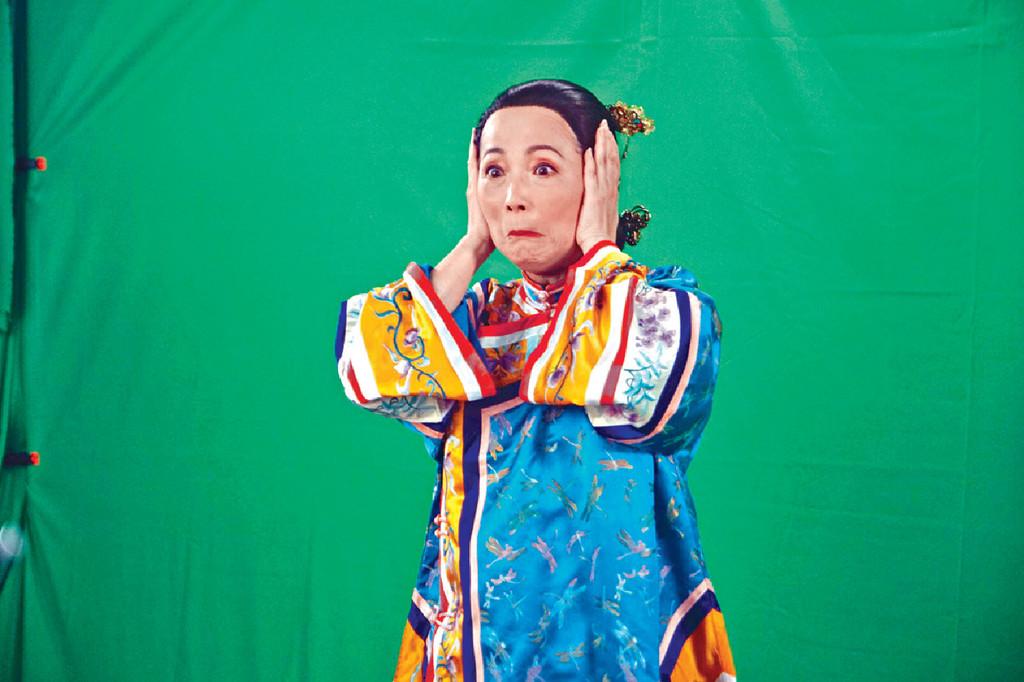 ■香港開電視新節目季度中,苑瓊丹會幫手做一個類似《K100》,專門介紹自己嘢的節目《開工大吉77》。