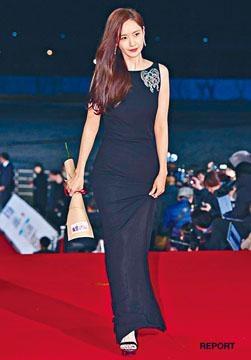 潤娥憑《EXIT》與《沒有你的生日會》全度妍爭影后殊榮。
