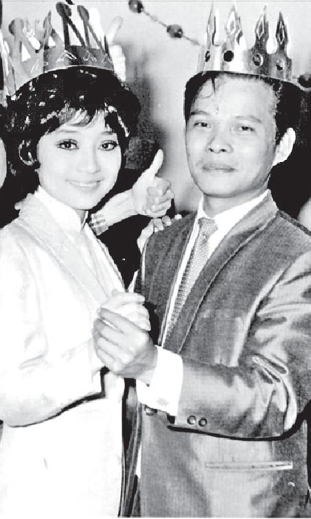 ■鄭錦昌69年與徐小鳳在一聖誕派對上共舞。