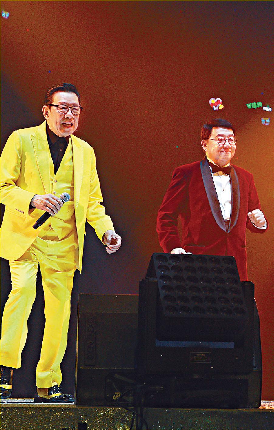■胡楓與黎小田上年底同台獻唱。