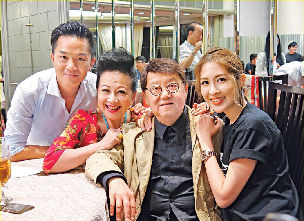 ■黎小田和薛家燕主持歌唱節目,對後輩歌手照顧有加。