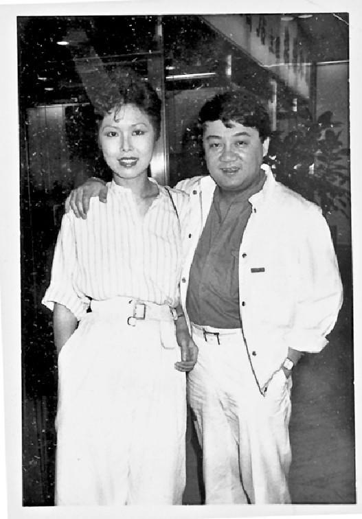 ■黎小田和關菊英拍拖多年。