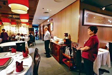 ■餐飲業首當其衝,近月陷入寒冬。