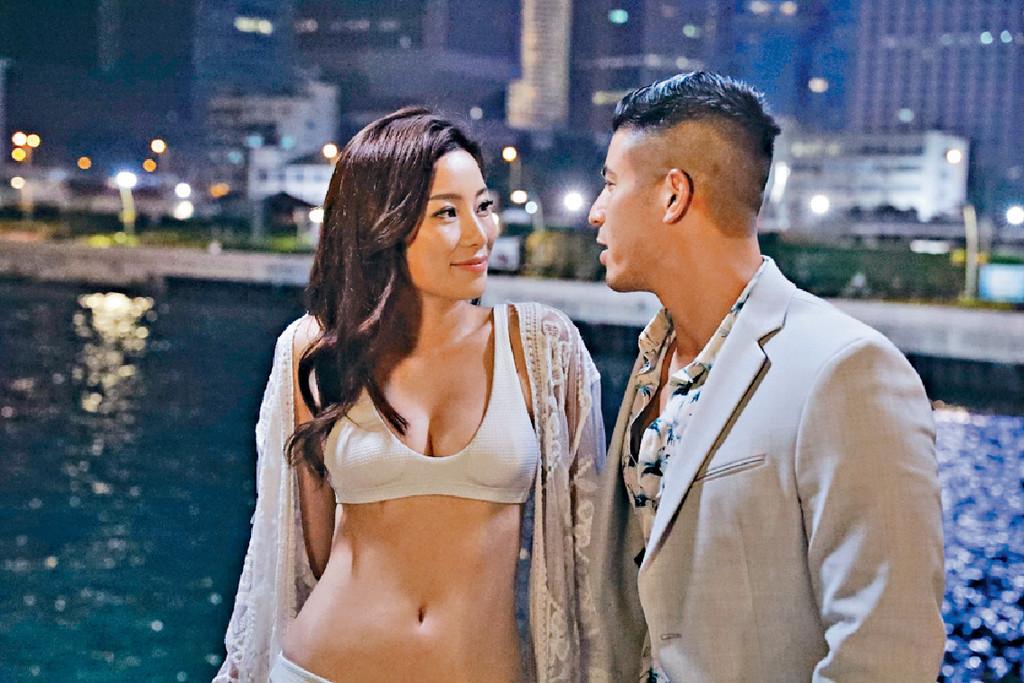 拍劇晒咪 ■早前楊柳青在劇集《解決師》的色誘戲,大晒32B身材。