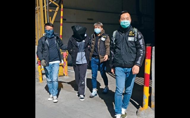 O記遊行前多區突擊  拘11人 警擒暴力團夥 檢真槍破軍火庫