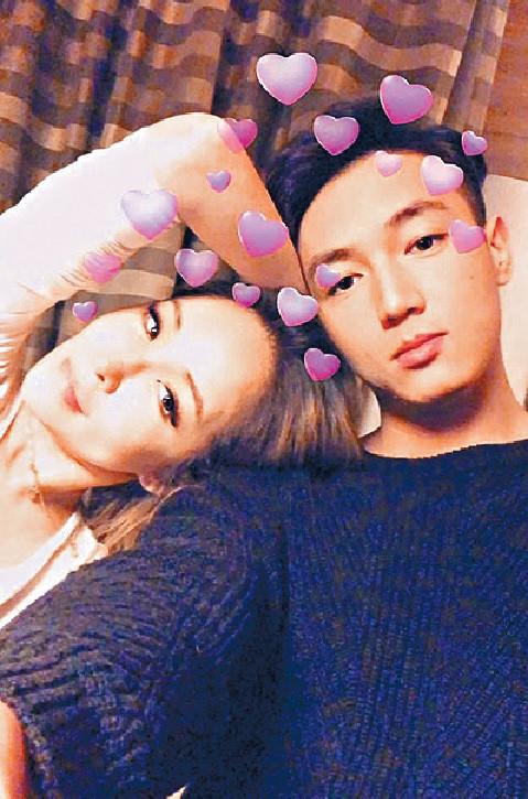 ■蕭亞軒認戀上細16歲的黃皓,二人經常在網上放閃。