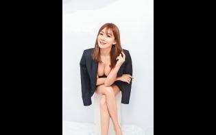 巨胸網紅電子寫真只售10蚊 「翻版林志玲」劉子儀 出寫真純晒豪乳