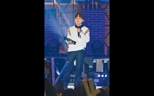 ViuTV首辦音樂頒獎禮 林家謙力壓姜濤 掃6獎膺Chill Club歌王