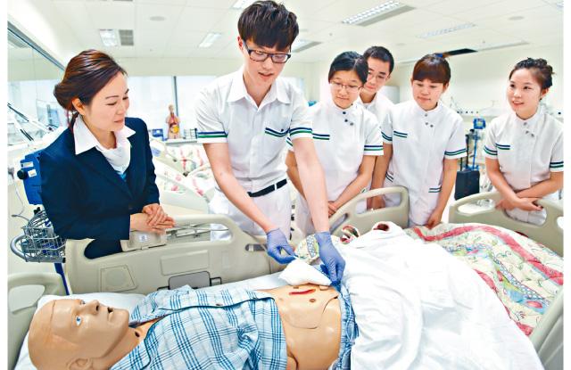 培訓護理專才需要時多年才能達成。